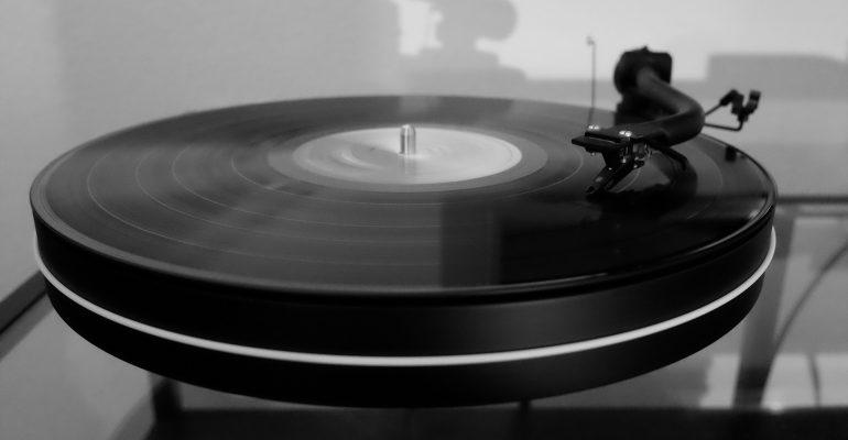music-2330011_1920